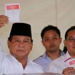 (Ilustrasi) Ketum Gerindra Prabowo Subianto saat menggunakan hak pilihnya pada Pemilu 2019. (ist)
