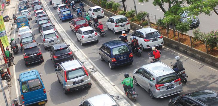 Sejumlah kendaraan saat terjebak kemacetan di ruas Jalan Margonda Raya. Radar Depok