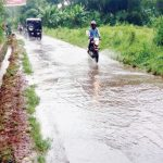 Jalan-Perbatasan-Desa-Pucung-Wancimekar