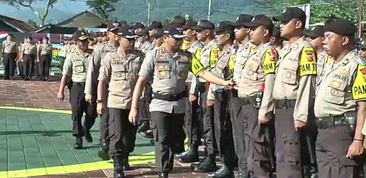 Polres Sumedang siapkan jajarannya amankan Pemilu 2019, Senin (15/4/2019)./Foto: Arief