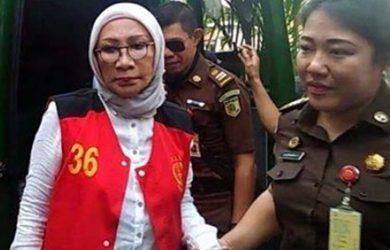 Ratna Sarumpaet dan AKP Sulman Azis Sama-sama Bohong Ke Publik, Ratna Pilih Sikap Beda