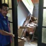 Sekretariat PPS Cileunyi Wetan Bandung yang dibongkar maling (int