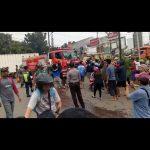 Suasana ricuh penurunan baliho Prabowo-Sandi di Cileungsi Kabupaten Bogor (ist)