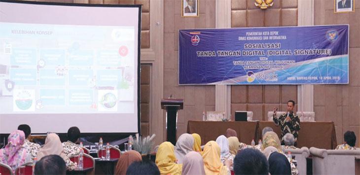 Pegawai Pemerintah Kota Depok mengikuti sosialisasi Tanda Tangan Elektronik (TTE) yang diselenggarakan Diskominfo Kota Depok, Kamis (18/4/19). Radar Depok