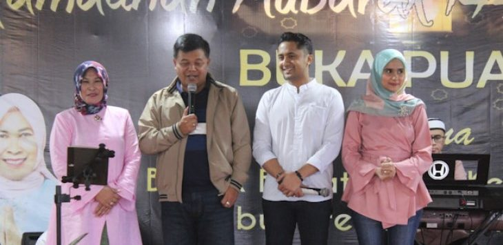 Aa Umbara-Hengki Kurniawan saat bukber di Lembang, Minggu (19/5/2019)./Foto: Rmol