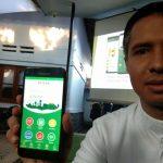 Hamdan Hamedan, Chief Executive Officer PT Kesan Digital Nusantara saat memaparkan keunggulan program aplikasi Kesan (kedaulatan santri). Indra/pojokjabar