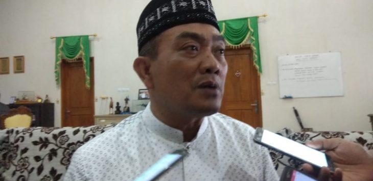Wali Kota Cirebon saat memberikan keterangan. Yan/pojokjabar