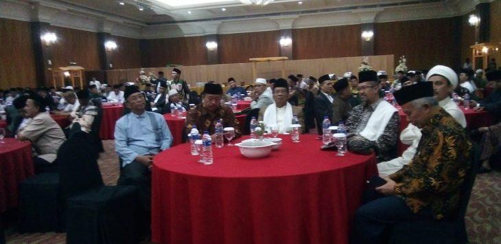 Buka puasa elemen dan tokoh masyarakat dan ulama Jawa Barat (arif)