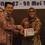 Bupati Bogor Ade Yasin menerima hasil audit BPK (ist)