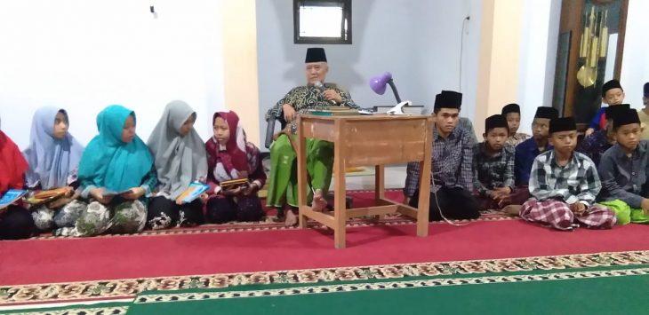 Ketua MUI Kabupaten Cirebon, KH Baharudin Yusuf. Foto/Ist