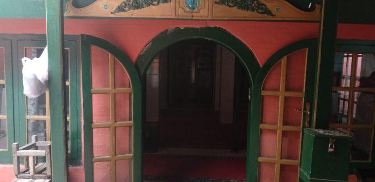 Pintu masuk Masjid Jagabayan. Alwi/pojokjabar