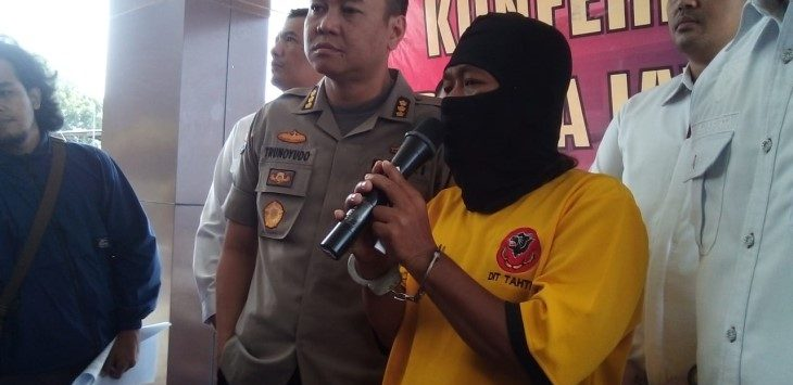 Polda Jabar ekspose pria penyebar video PPK Plumbon Cirebon tertutup, Rabu (15/5/2019)./Foto: Arief