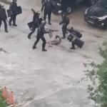 Video viral polisi berpakaian hitam aniaya beramai-ramai seorang warga