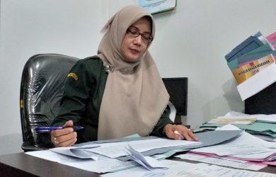 Encus Suswaningsih, Kabid Kesehatan Hewan (Keswan) saat memberikan keterangan kepada wartawan. Ghofar/pojokjabar