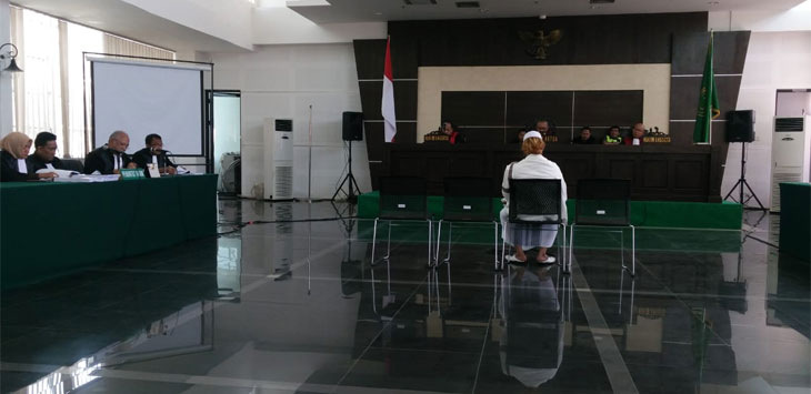 Sidang kasus penganiayaan  Habib Bahar Smith .