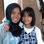 Hera Junita bersama uwaknya