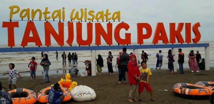 Tempat wisata pantai tanjung pakis karawang
