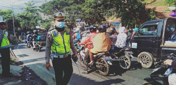 Jalur Nagreg padat di hari kedua Lebaran. di Sukabumi, arus balik masih sepi hingga Kamis (doc)
