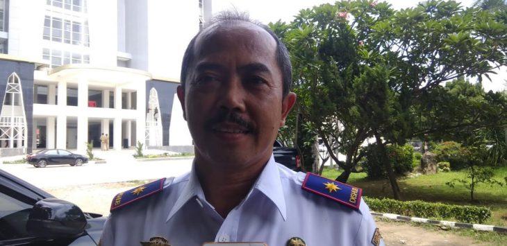 Kadishub Kota Cirebon, Atang Hasan saat memberikan keterangan kepada wartawan. Yan/pojokjabar
