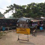Kondisi di gerbang perbatasan Karawang yang kumuh (ega)