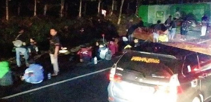 Kecelakaan beruntun di Tol Cipali. Ist
