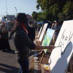 Seniman lukis Majalengka, Ade Realism mendemonstrasikan proses kreatifnya. Ian/pojokjabar