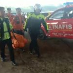 Tim kepolisian mengangkat penemuan mayat di bawah jembatan Cipali. Foto/Humas Polsek for pojok jabar