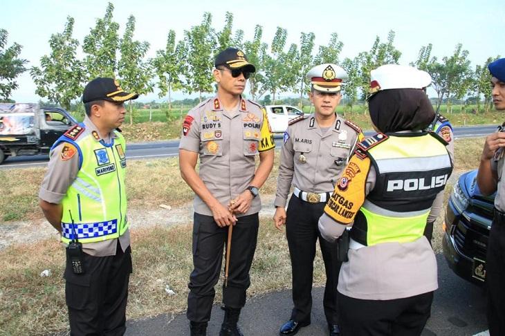 Polda Jabar cek lokasi kecelakaan di Tol Cipali