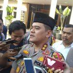 Kapolres Cirebon Kota, AKBP Roland Ronaldy saat dikonfirmasi penangkapan Ketua Ormas islam di Cirebon. Indra/pojokjabar