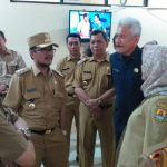Plt Bupati Cirebon sidak di kantor DPPKBPPPA Kabupaten Cirebon. Ghofar/pojokjabar