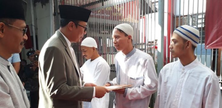 Walkot Sukabumi Achmad Fahmi berikan remisi/Foto: Rmol
