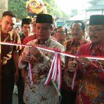 Plt Bupati Cirebon dan Sultan Sepuh PRA Arief Natadiningrat resmikan destinasi wisata kota tua jamblang. Kirno/pojokjabar