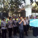 Aksi guru Bandung soal zonasi