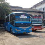 Bus Damri sedang parkir di Terminal Harjamukti Kota Cirebon. Indra/pojokjabar