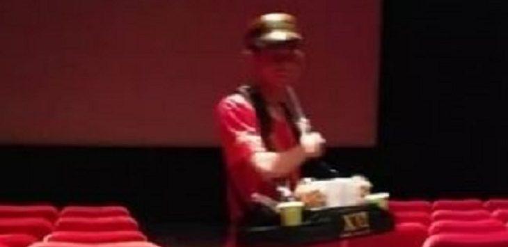 Curhat Pria Penjual Popcorn Viral di Sosial Media./Foto: Istimewa