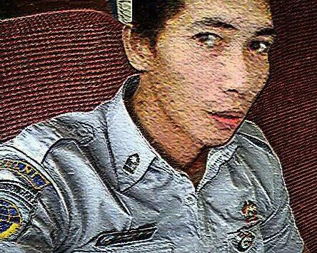 Tersangka Deni Priyanto dengan hasil editan fotonya (Fb)