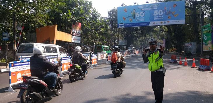 Hari Pertama Rekayasa Jalur Searah di Jalan Sukajadi-Setiabudi