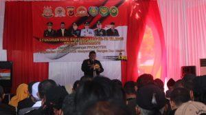 Caption: Kapolres Indramayu AKBP M.Yoris M.Y Marzuki membacakan amanat Kapolri. Yanto/pojokjabar