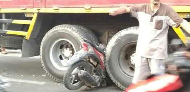 Kecelakaan di Jalan Proklamasi, Karawang, Senin (22/7/2019) sore./Foto: Ega