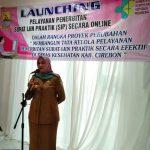 Kadinkes Kabupaten Cirebon, Enny Suhaeni saat memberikan sambutan. Ghofar/pojokjabar
