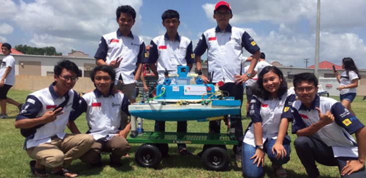 Mahasiswa UI meraih Juara 3 Dunia pada kompetisi robot Kapal Tanpa Awak di Amerika, beberapa waktu lalu.