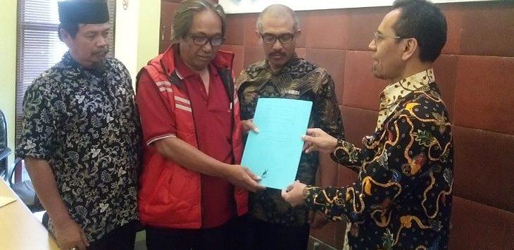 Ombudsman Jawa Barat saat menerima laporan terkait PPBD, Kamis (18/7/2019)./Foto: Arief