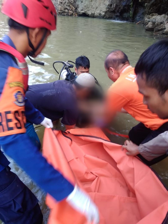 Penemuan korban tenggelam di Purwakarta