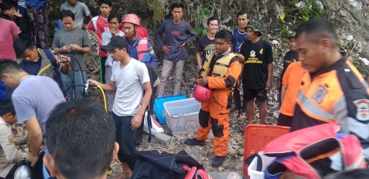 Penemuan korban tenggelam di Purwakarta./Foto: Istimewa