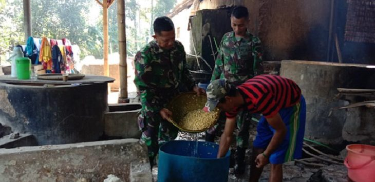 TNI dan Pembakb Majalengka./Foto: Rmo;