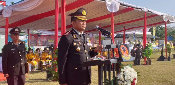 Kapolres Cirebon, AKBP Suhermanto pimpin apel upacara HUT Bhayangkara ke 73. Kirno/pojokjabar