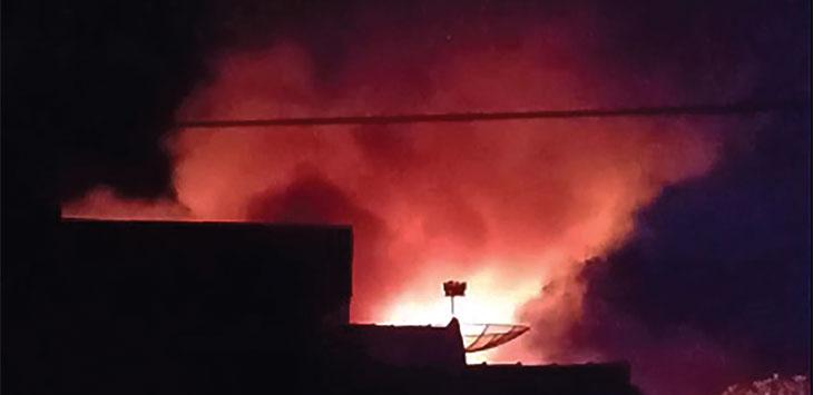 Kobaran api menghanguskan enam rumah di Pondokkaso, RT 7/2, Desa Pondokkaso Tonggoh, Kecamatan Cidahu, Kabupaten Sukabumi.