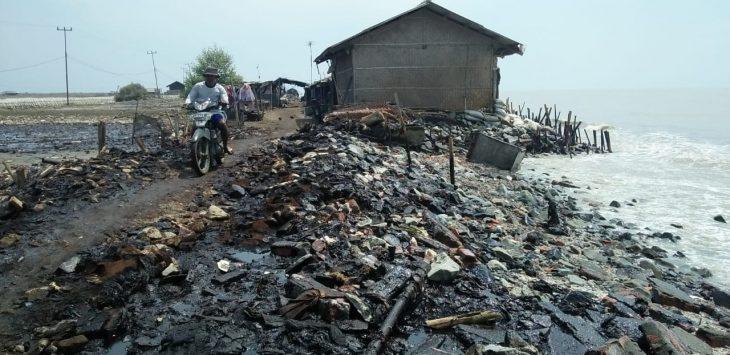 Kondisi minyak tumpah di Laut Karawang (ega)