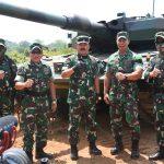 Panglima TNI bersama KASAD saat melihat latihan perang besar-besaran di Baturaja (ist)