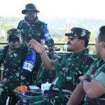 Panglima TNI saat meninjau latihan perang besar-besaran. (ist)